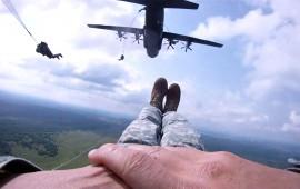 Corso di Paracadutismo sotto controllo militare